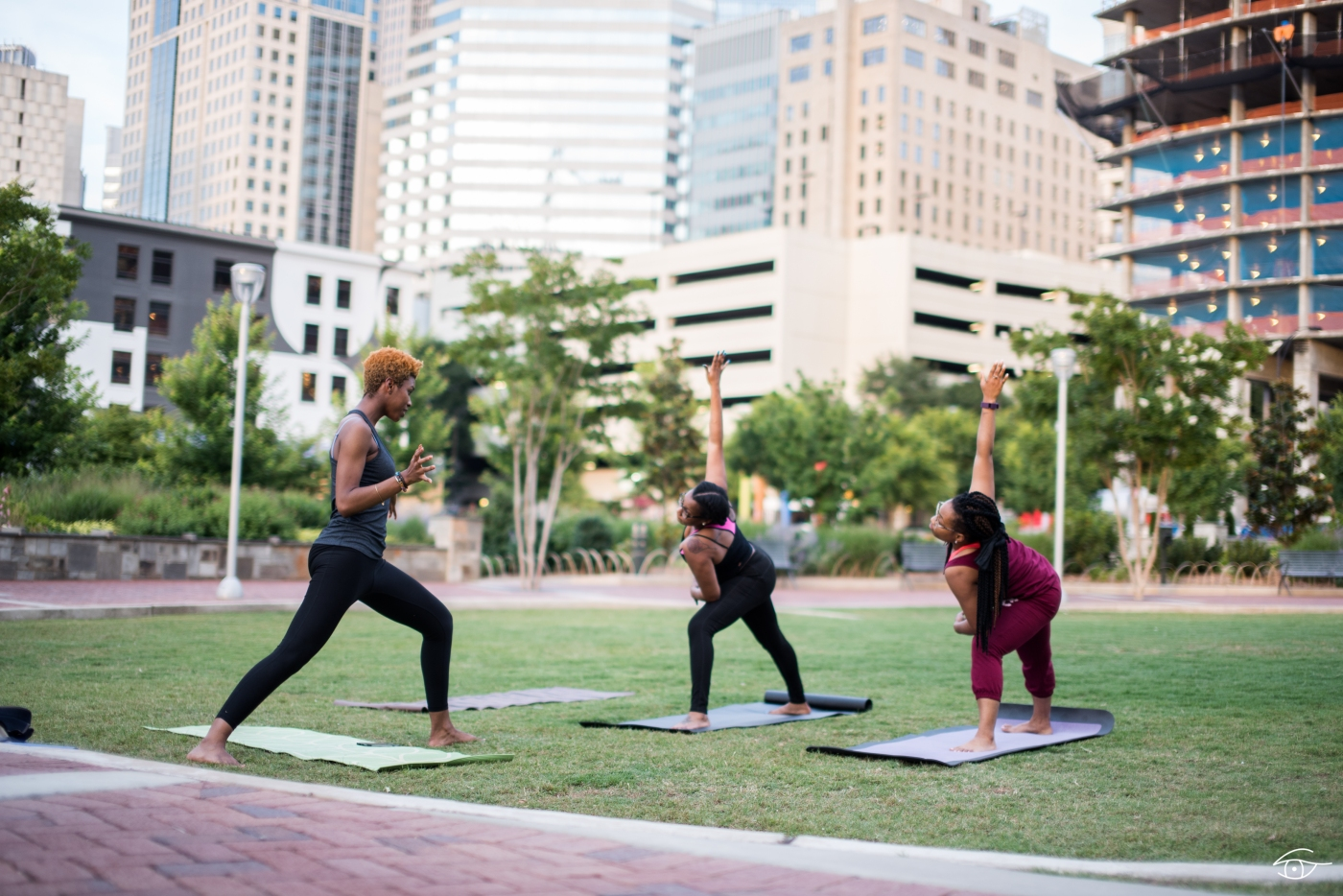 yoga-with-sqa-in-the-park-11